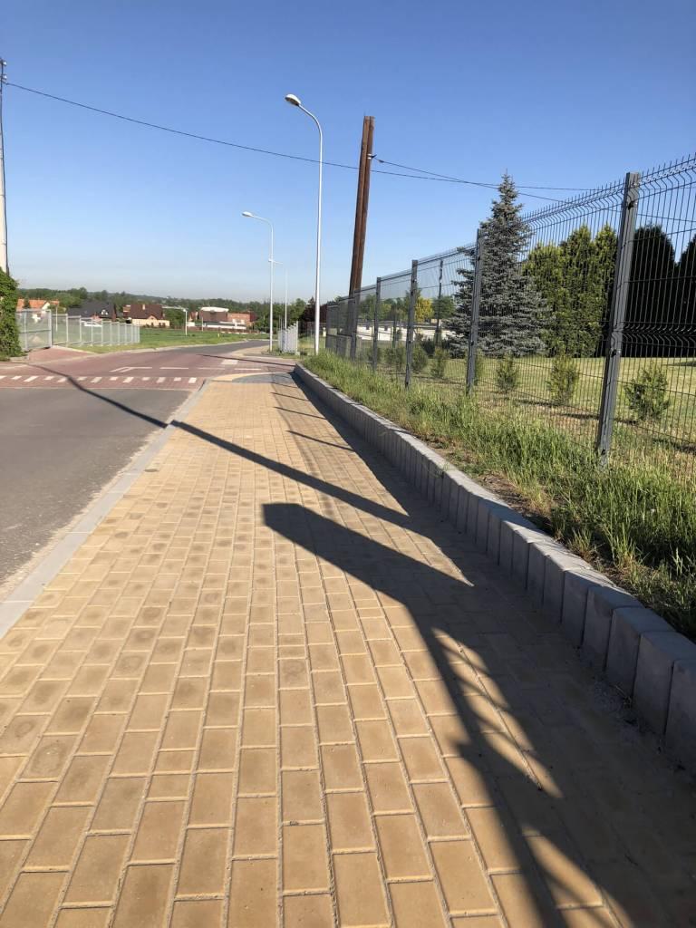 Chodnik z kostki brukowej w Tychach
